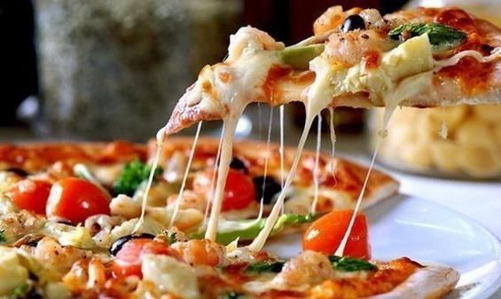 Пикантная пицца с грибами и спаржей