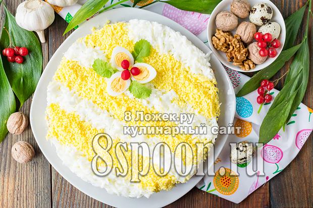 Салат с курицей, черносливом, орехами, сыром: рецепт с фото