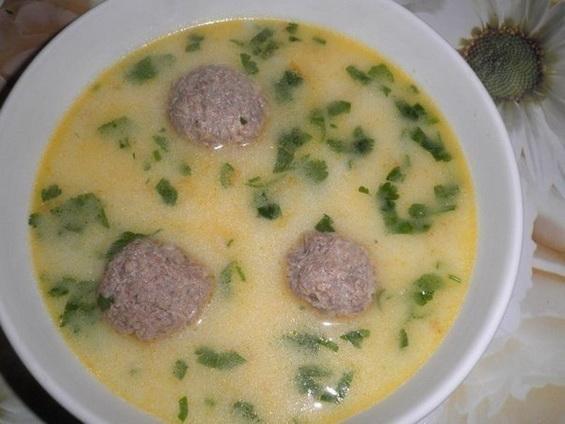 Сырный суп с плавленным сыром и фрикадельками