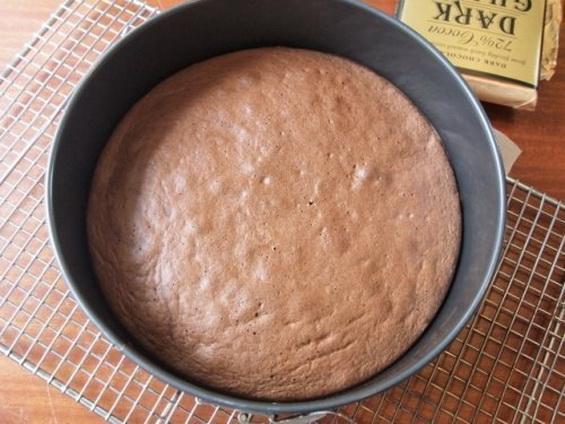 Шоколадный бисквит: простой рецепт