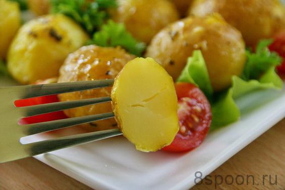 Молодой картофель в духовке фото 12