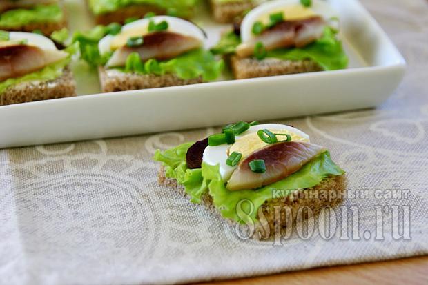 Бутерброды с селедкой фото 6