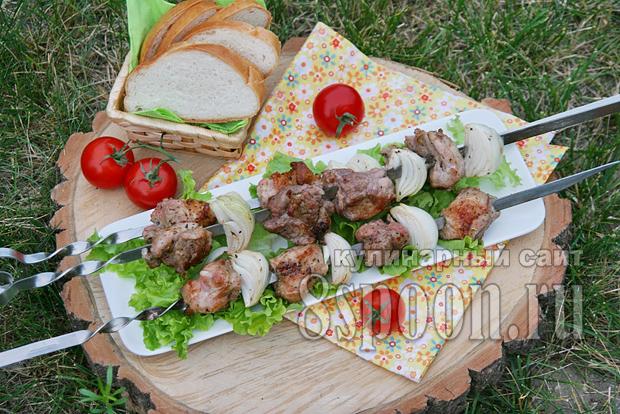 Маринад для шашлыка из свинины с уксусом и луком фото