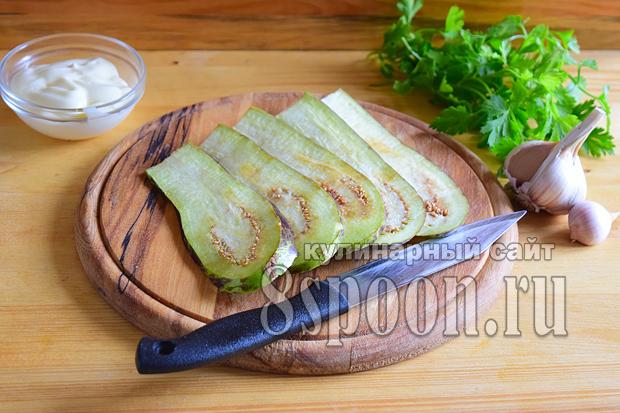 Рулетики из баклажанов с сыром и чесноком- рецепт с фото _04