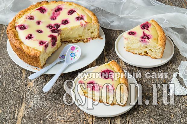 Песочный пирог с творогом и вишней фото