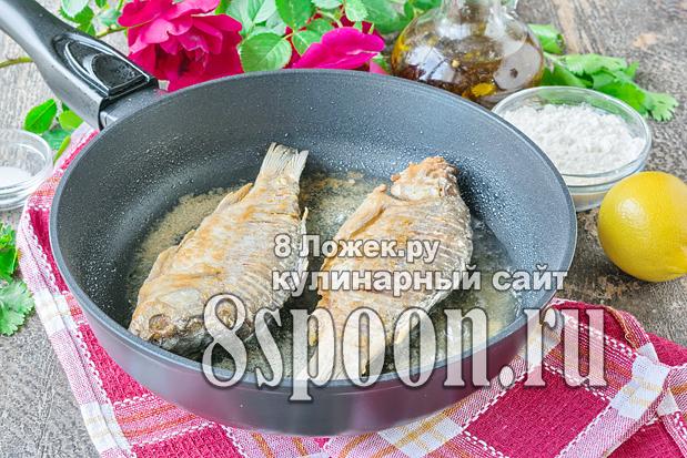 Караси жареные на сковороде фото_01