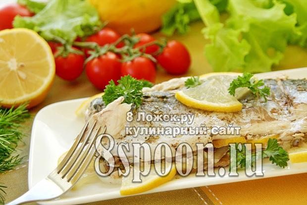Скумбрия на мангале в фольге с зеленью и лимоном фото