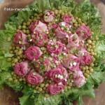 Салат розовый букет роз