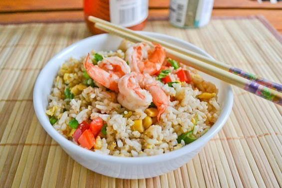жареный рис с креветками: рецепт с фото