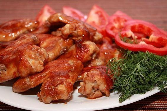 Пряные куриные крылышки в духовке: идеальная закуска под пиво!