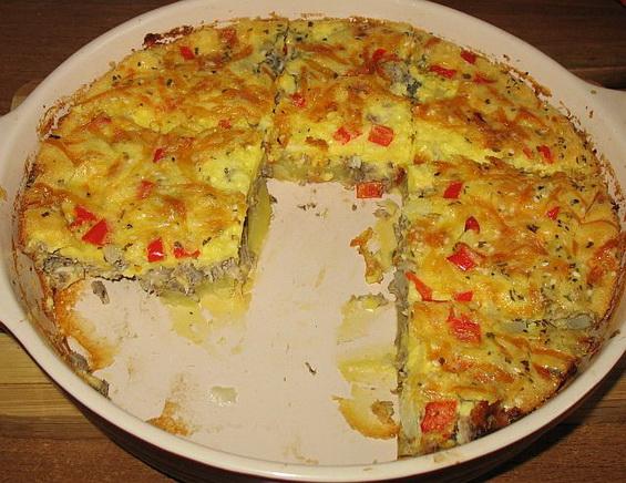 Пирог из рыбной консервы с картошкой