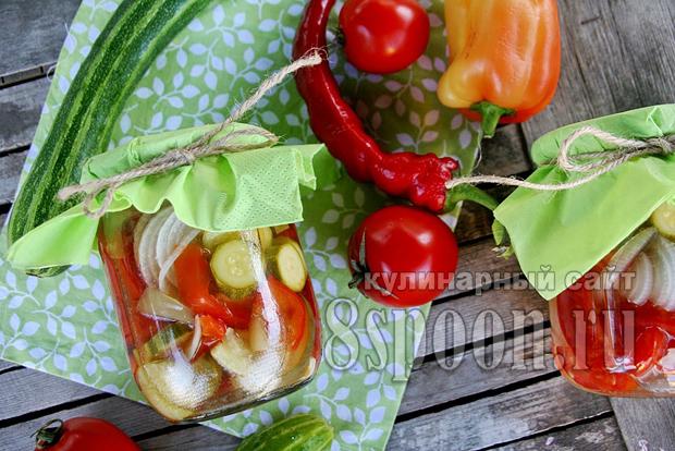 Овощное ассорти на зиму огород в банке фото 7