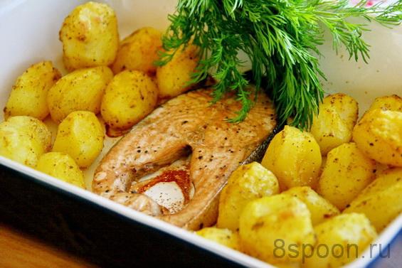 Горбуша запеченная с картофелем в духовке