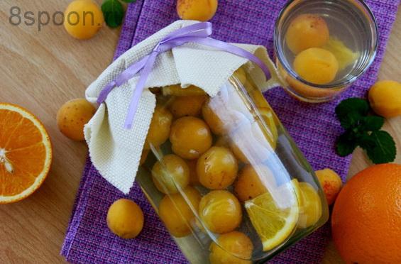 Персики превосходно сочетаются в различных заготовках с нектаринами и компоты не являются исключением.