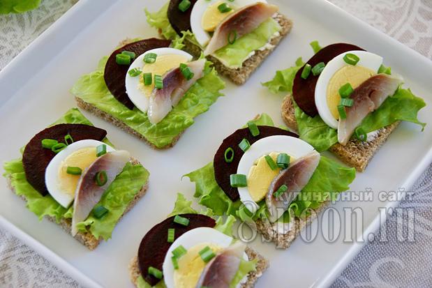Бутерброды с селедкой фото 12