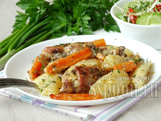 Кролик в духовке с картошкой и сметаной   _2
