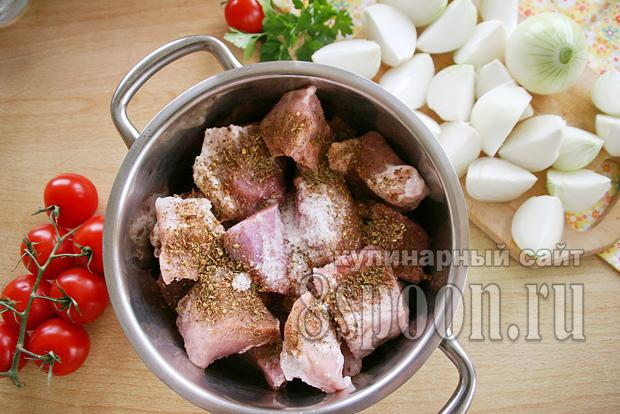 Как сделать лук с уксусом для шашлыка из свинины
