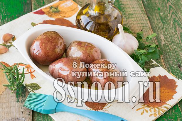 Как запечь молодой картофель в духовке целиком в мундире