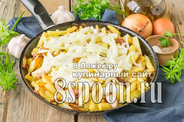 Жареная картошка с мясом на сковороде фото_01
