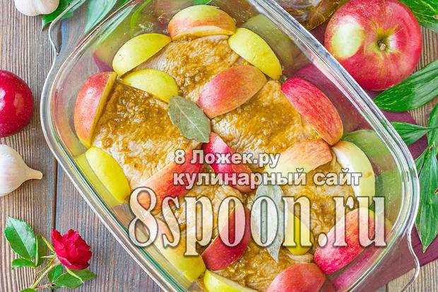 Курица с яблоками в духовке фото_8