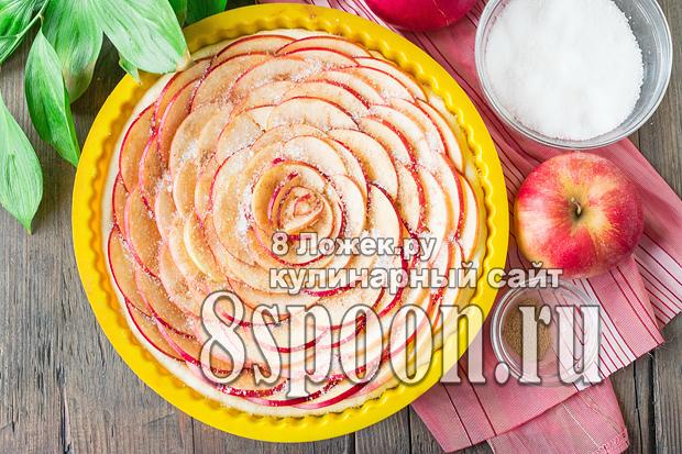 Пирог из слоеного теста с яблоками фото_02